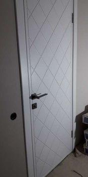 meghkomnatnye-dveri-risunok-romby-2